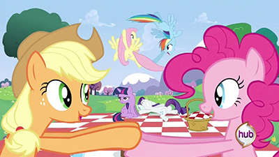FlutterDash isn't my OTP, but sweet Celestia those two are cute together.